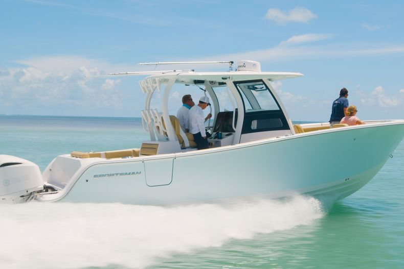 Thumbnail 6 for New 2021 Sportsman Open 302 Center Console boat for sale in West Palm Beach, FL