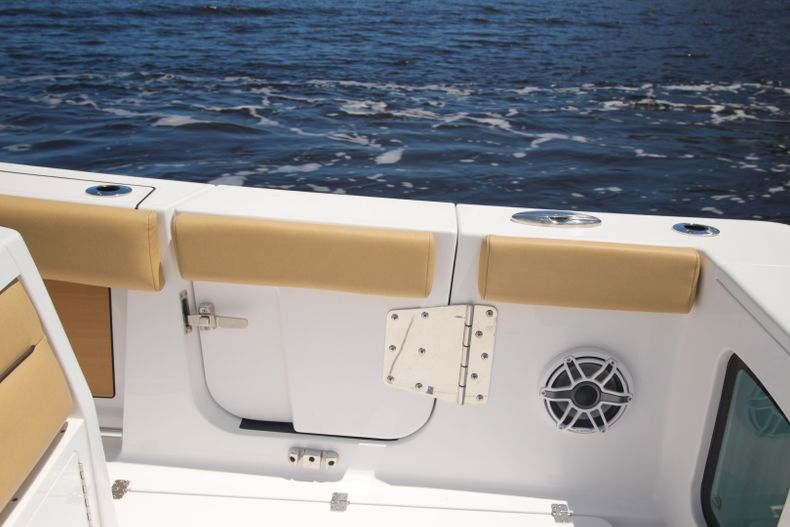 Thumbnail 10 for New 2021 Sportsman Open 302 Center Console boat for sale in West Palm Beach, FL