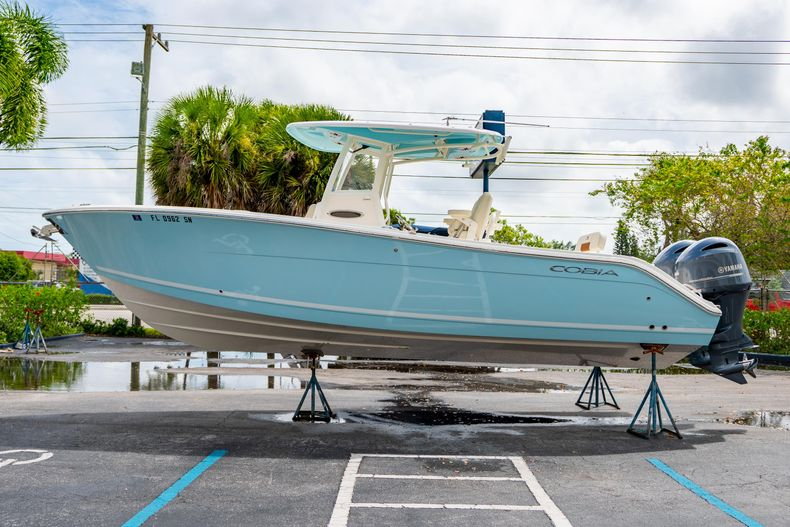 Thumbnail 6 for Used 2020 Cobia 280 CC boat for sale in West Palm Beach, FL