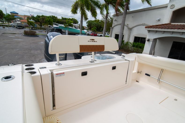 Thumbnail 14 for Used 2020 Cobia 280 CC boat for sale in West Palm Beach, FL