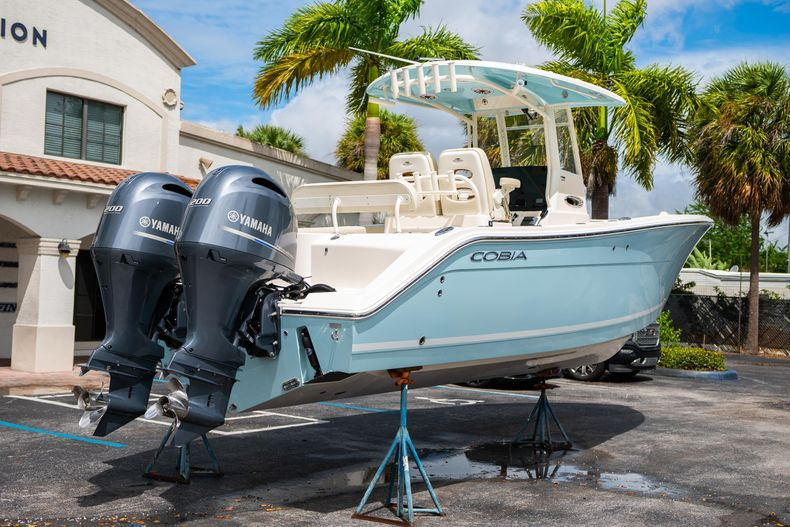 Thumbnail 10 for Used 2020 Cobia 280 CC boat for sale in West Palm Beach, FL