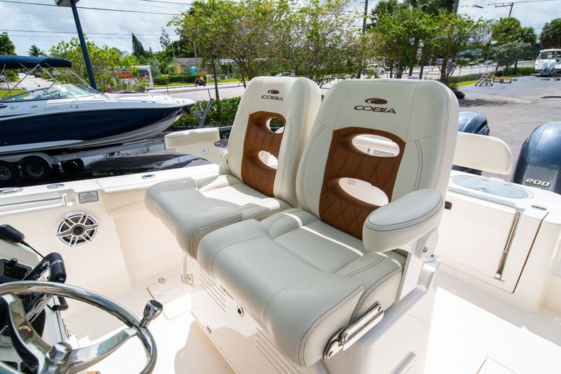 Thumbnail 44 for Used 2020 Cobia 280 CC boat for sale in West Palm Beach, FL