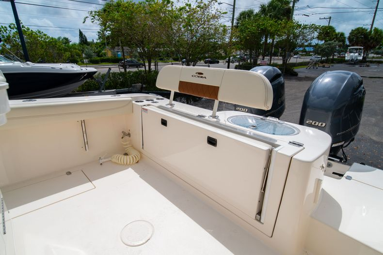 Thumbnail 18 for Used 2020 Cobia 280 CC boat for sale in West Palm Beach, FL