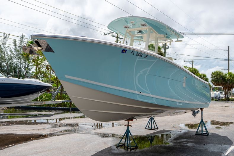 Thumbnail 4 for Used 2020 Cobia 280 CC boat for sale in West Palm Beach, FL