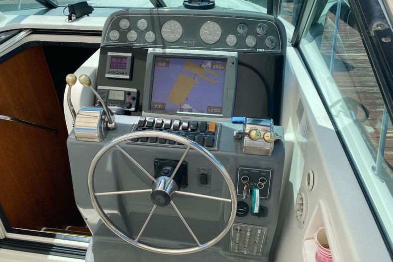 Thumbnail 10 for Used 2001 Tiara Yachts 3100 Open boat for sale in West Palm Beach, FL