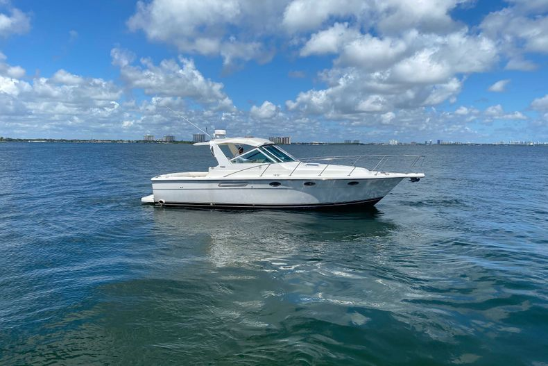 Thumbnail 5 for Used 2001 Tiara Yachts 3100 Open boat for sale in West Palm Beach, FL