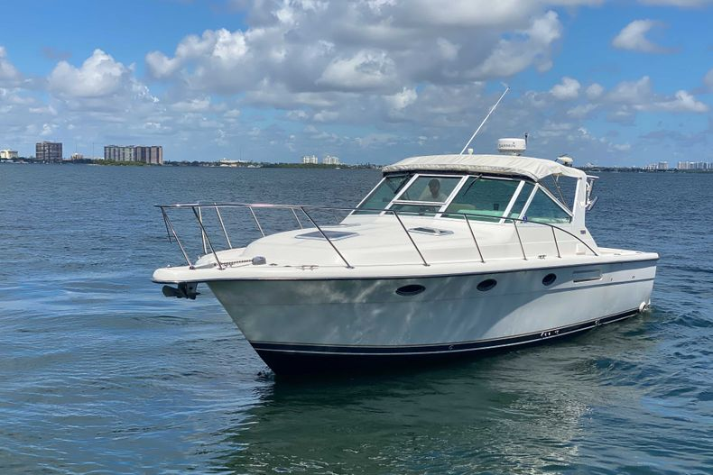 Thumbnail 7 for Used 2001 Tiara Yachts 3100 Open boat for sale in West Palm Beach, FL