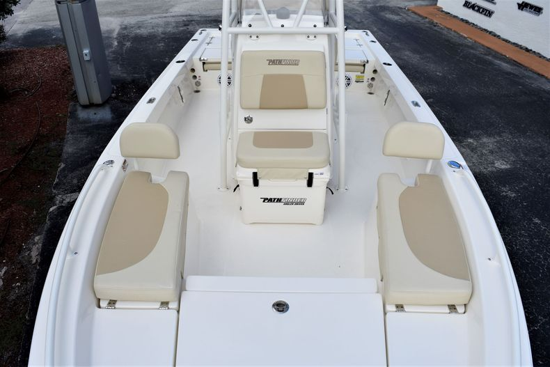 Thumbnail 16 for New 2021 Pathfinder 2200 TRS boat for sale in Vero Beach, FL