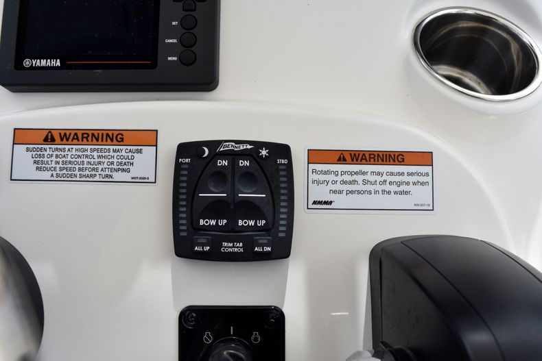 Thumbnail 24 for New 2021 Pathfinder 2200 TRS boat for sale in Vero Beach, FL