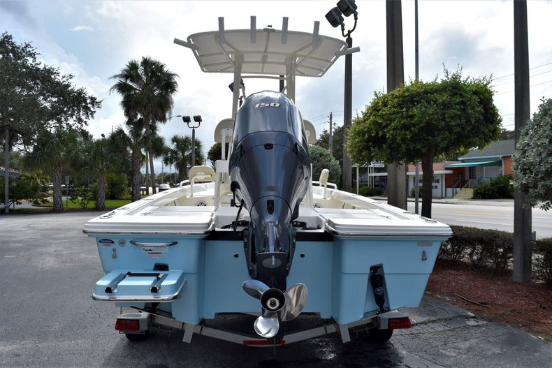 Thumbnail 4 for New 2021 Pathfinder 2200 TRS boat for sale in Vero Beach, FL
