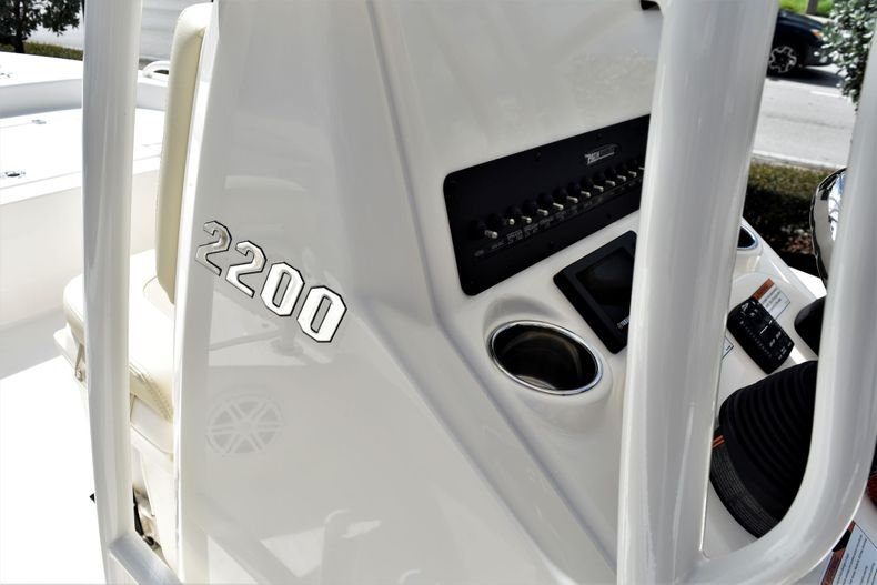 Thumbnail 12 for New 2021 Pathfinder 2200 TRS boat for sale in Vero Beach, FL