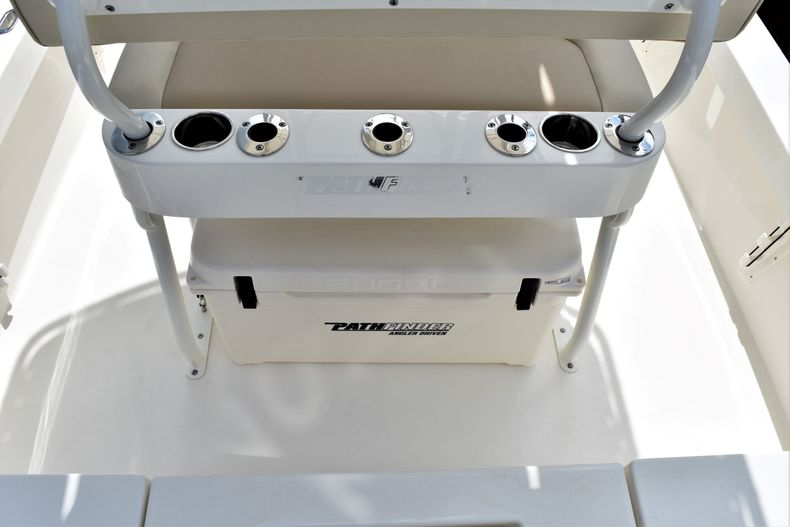 Thumbnail 10 for New 2021 Pathfinder 2200 TRS boat for sale in Vero Beach, FL
