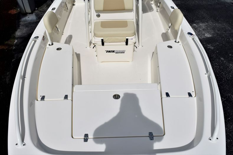 Thumbnail 15 for New 2021 Pathfinder 2200 TRS boat for sale in Vero Beach, FL