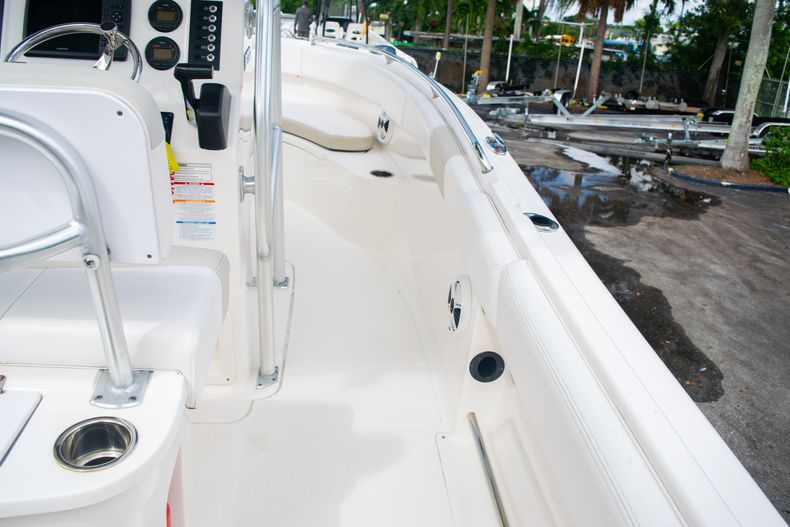 Thumbnail 17 for Used 2014 Robalo R222 Center Console boat for sale in West Palm Beach, FL