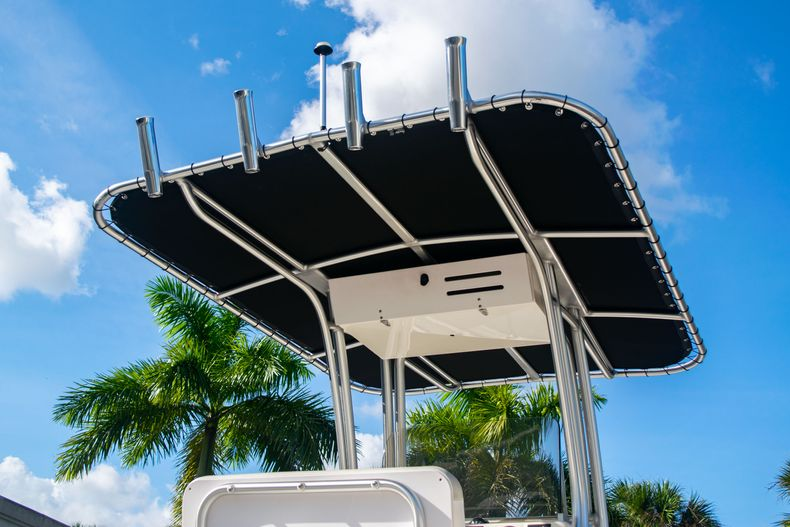 Thumbnail 8 for Used 2014 Robalo R222 Center Console boat for sale in West Palm Beach, FL