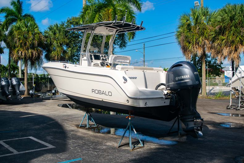 Thumbnail 5 for Used 2014 Robalo R222 Center Console boat for sale in West Palm Beach, FL