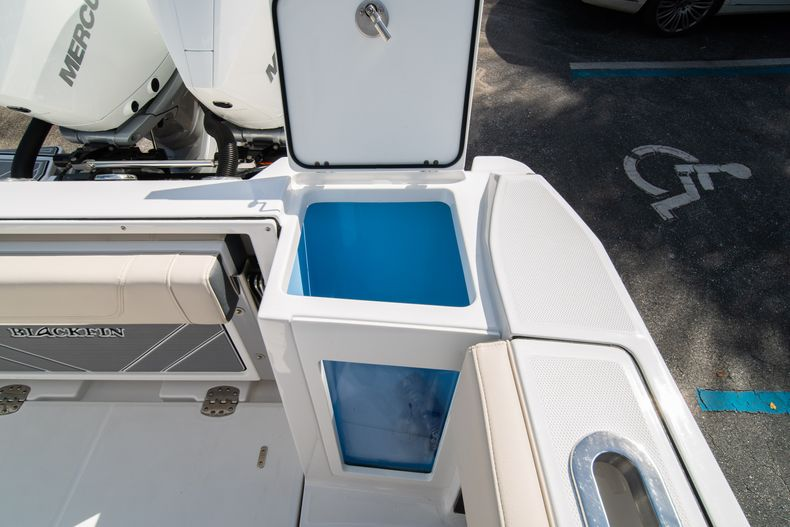 Thumbnail 18 for New 2021 Blackfin 272CC boat for sale in West Palm Beach, FL