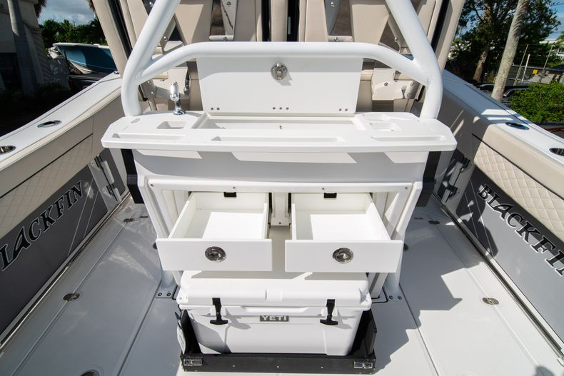Thumbnail 25 for New 2021 Blackfin 272CC boat for sale in West Palm Beach, FL