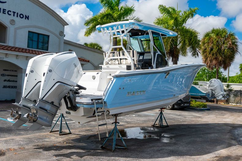 Thumbnail 9 for New 2021 Blackfin 272CC boat for sale in West Palm Beach, FL