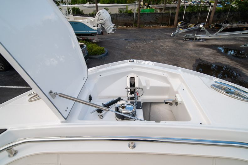 Thumbnail 60 for New 2021 Blackfin 272CC boat for sale in West Palm Beach, FL