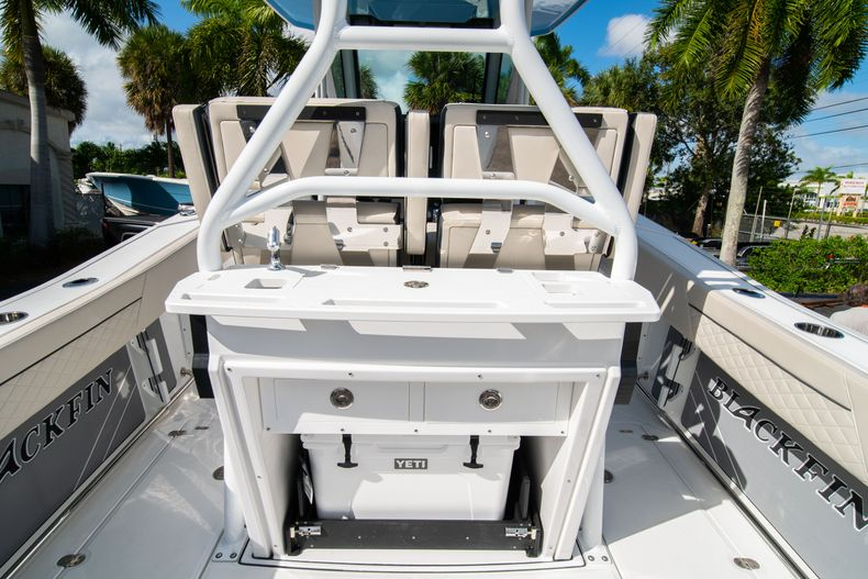 Thumbnail 24 for New 2021 Blackfin 272CC boat for sale in West Palm Beach, FL