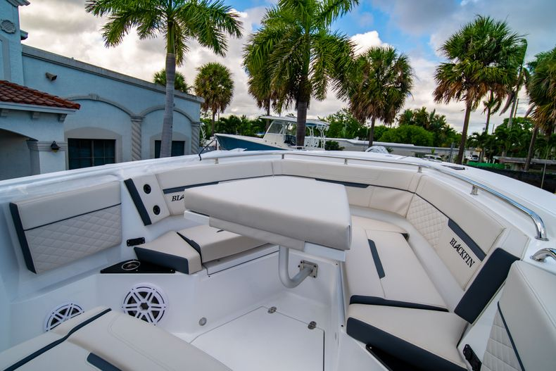 Thumbnail 47 for New 2021 Blackfin 272CC boat for sale in West Palm Beach, FL