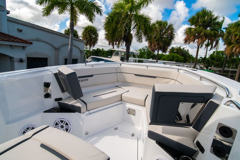 Thumbnail 49 for New 2021 Blackfin 272CC boat for sale in West Palm Beach, FL