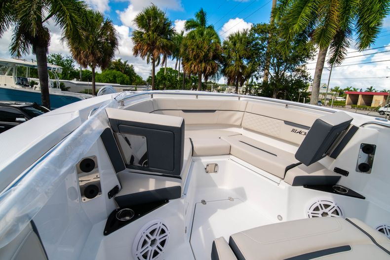 Thumbnail 54 for New 2021 Blackfin 272CC boat for sale in West Palm Beach, FL