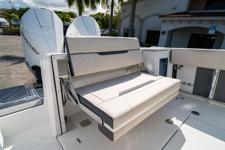Thumbnail 12 for New 2021 Blackfin 272CC boat for sale in West Palm Beach, FL