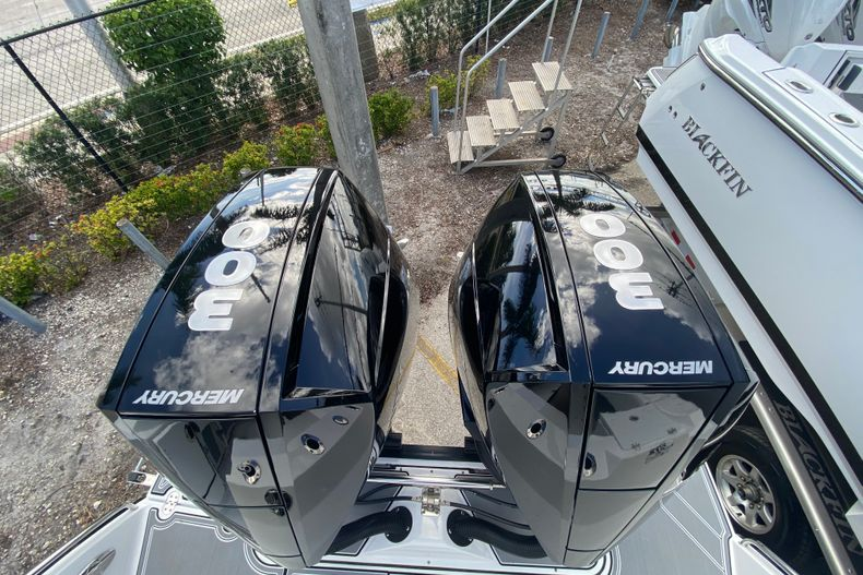 Thumbnail 6 for New 2021 Blackfin 272CC boat for sale in Fort Lauderdale, FL