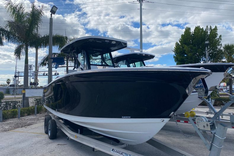 Thumbnail 2 for New 2021 Blackfin 272CC boat for sale in Fort Lauderdale, FL