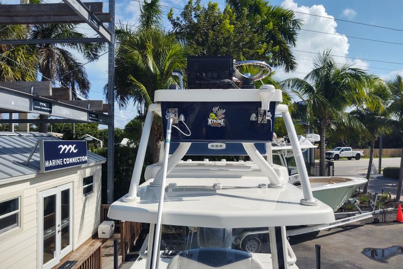 Thumbnail 3 for Used 2019 Robalo 246 Cayman SD boat for sale in Islamorada, FL