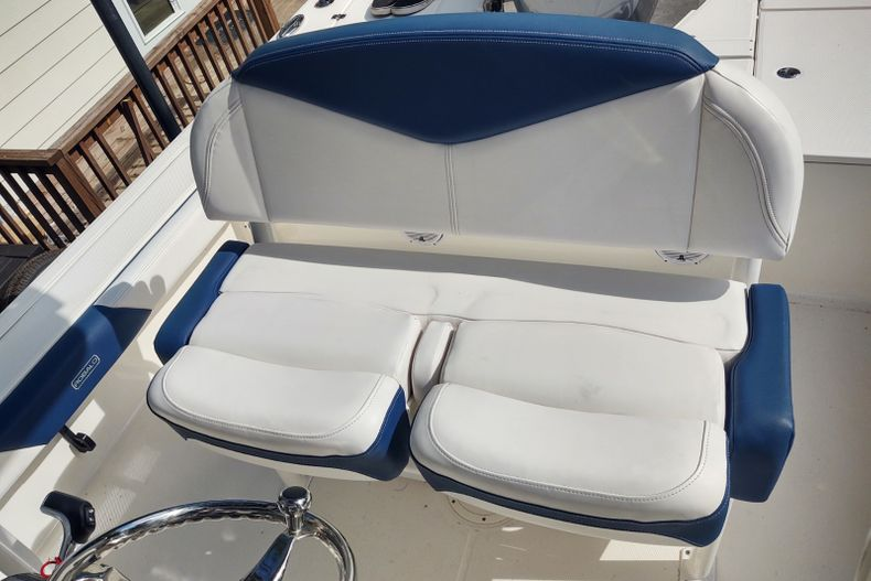 Thumbnail 9 for Used 2019 Robalo 246 Cayman SD boat for sale in Islamorada, FL