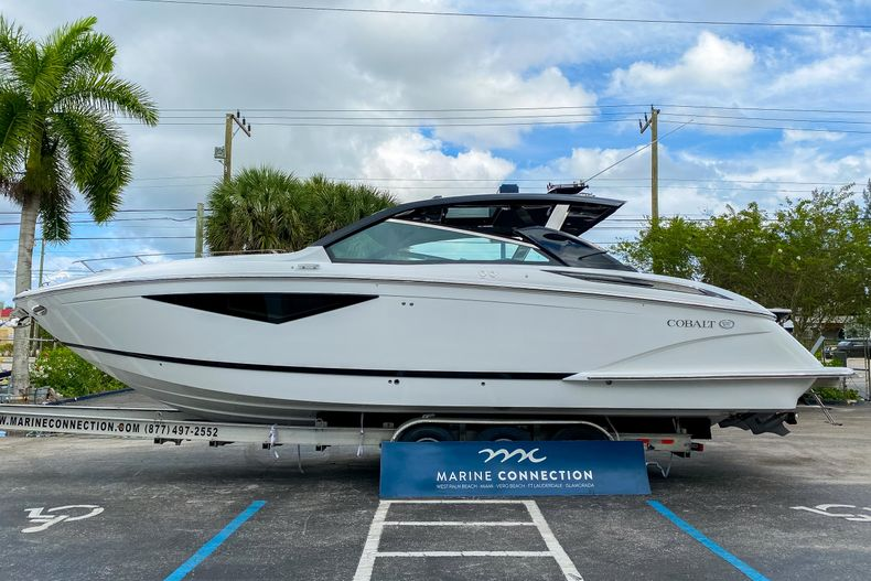 Thumbnail 4 for New 2021 Cobalt A36 boat for sale in West Palm Beach, FL