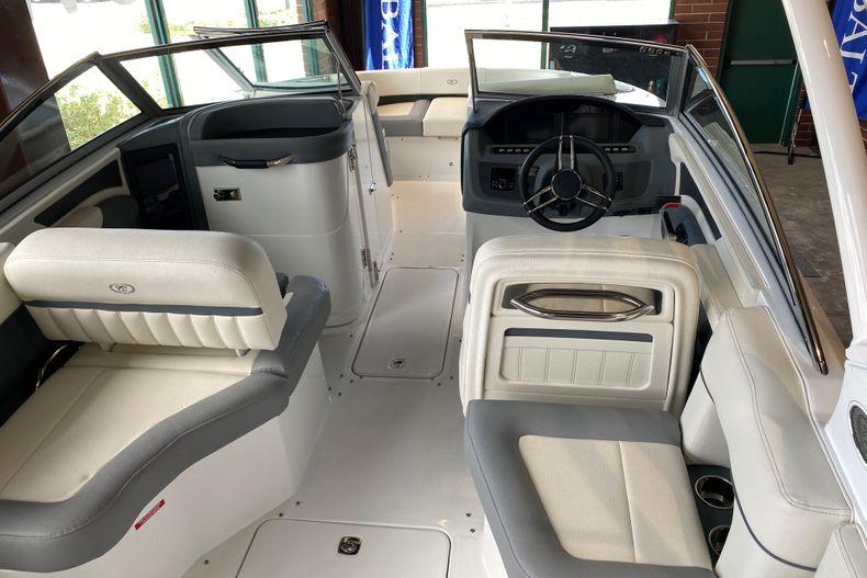 Thumbnail 6 for New 2021 Cobalt 23SC boat for sale in Stuart, FL