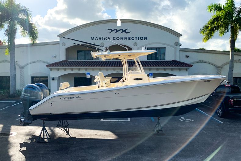 Photo for 2015 Cobia 277 CC