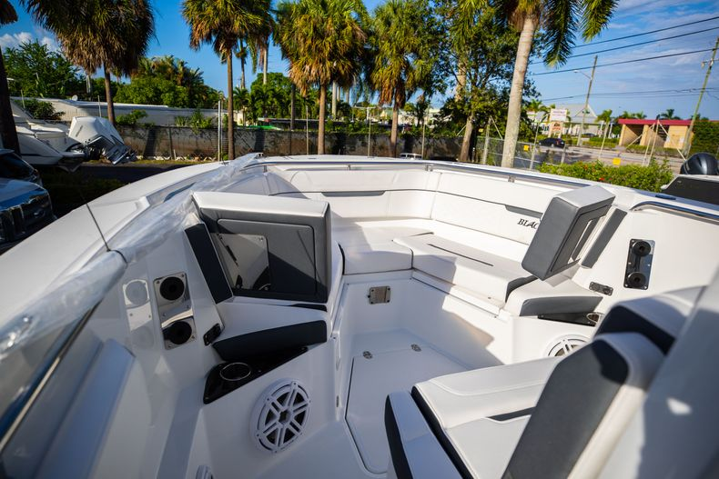 Thumbnail 46 for New 2021 Blackfin 272CC boat for sale in Vero Beach, FL