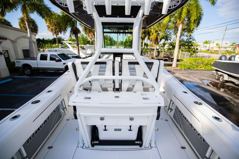 Thumbnail 22 for New 2021 Blackfin 272CC boat for sale in Vero Beach, FL