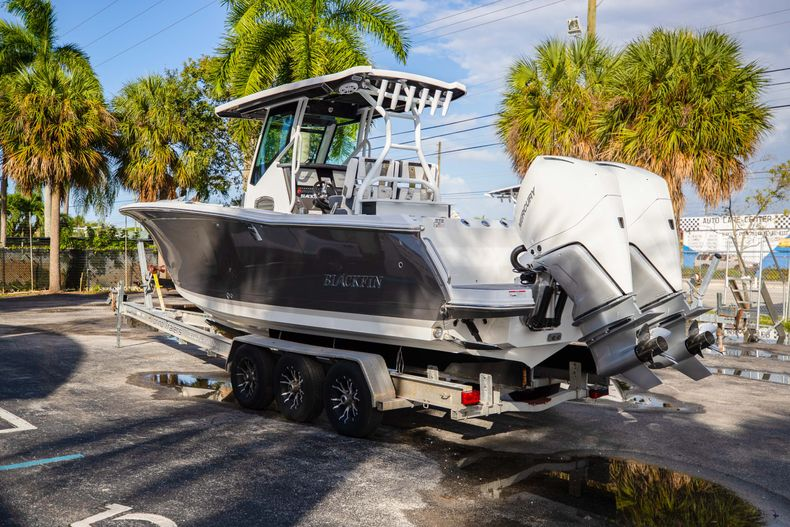 Thumbnail 5 for New 2021 Blackfin 272CC boat for sale in Vero Beach, FL