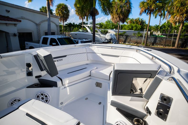 Thumbnail 45 for New 2021 Blackfin 272CC boat for sale in Vero Beach, FL