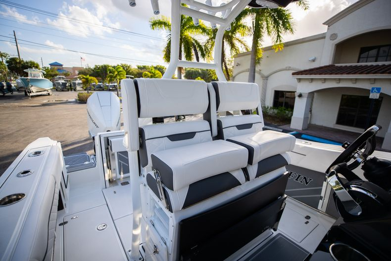 Thumbnail 36 for New 2021 Blackfin 272CC boat for sale in Vero Beach, FL