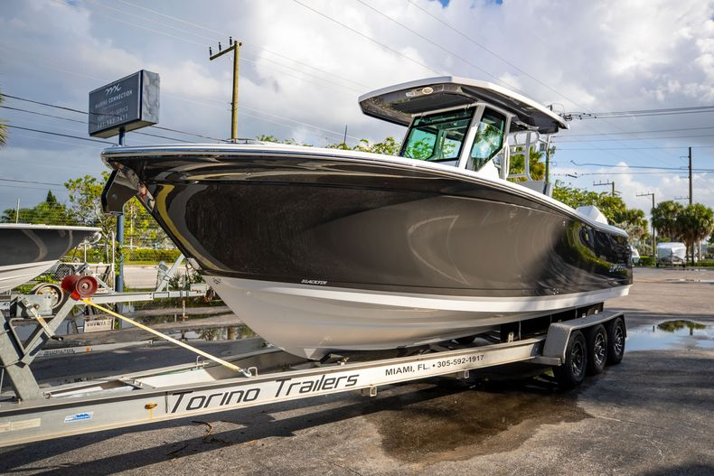 Thumbnail 3 for New 2021 Blackfin 272CC boat for sale in Vero Beach, FL