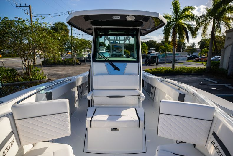 Thumbnail 47 for New 2021 Blackfin 272CC boat for sale in Vero Beach, FL