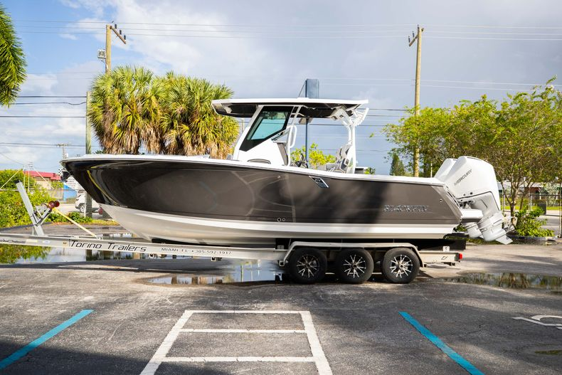 Thumbnail 4 for New 2021 Blackfin 272CC boat for sale in Vero Beach, FL