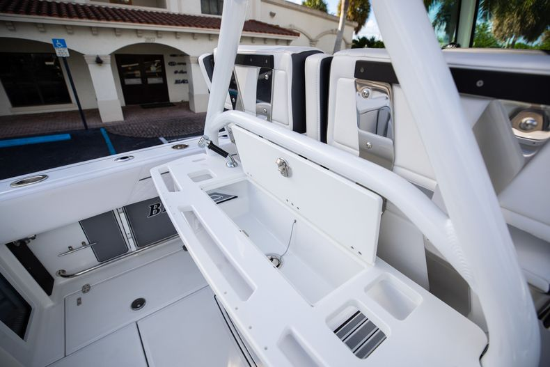 Thumbnail 23 for New 2021 Blackfin 272CC boat for sale in Vero Beach, FL