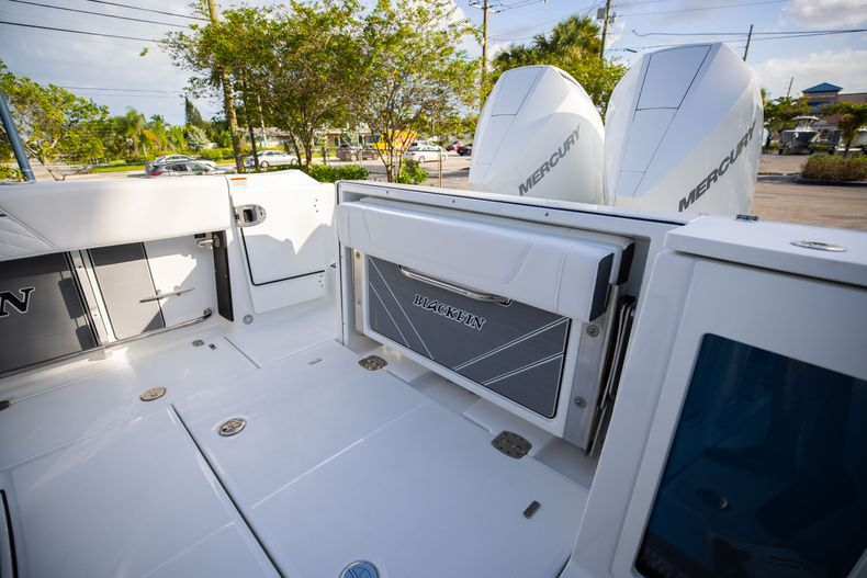 Thumbnail 13 for New 2021 Blackfin 272CC boat for sale in Vero Beach, FL