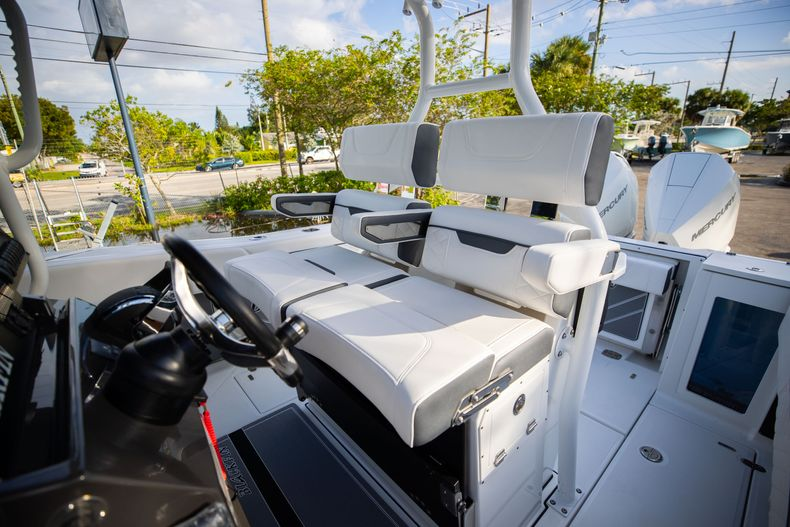 Thumbnail 39 for New 2021 Blackfin 272CC boat for sale in Vero Beach, FL