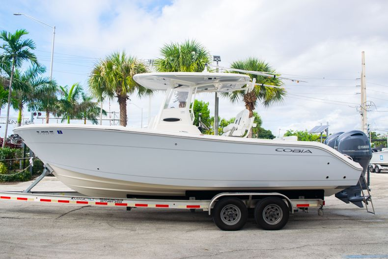 Thumbnail 4 for Used 2021 Cobia 262 CC boat for sale in Fort Lauderdale, FL