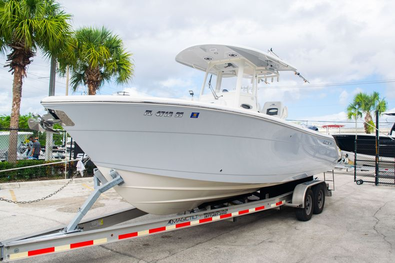 Thumbnail 3 for Used 2021 Cobia 262 CC boat for sale in Fort Lauderdale, FL