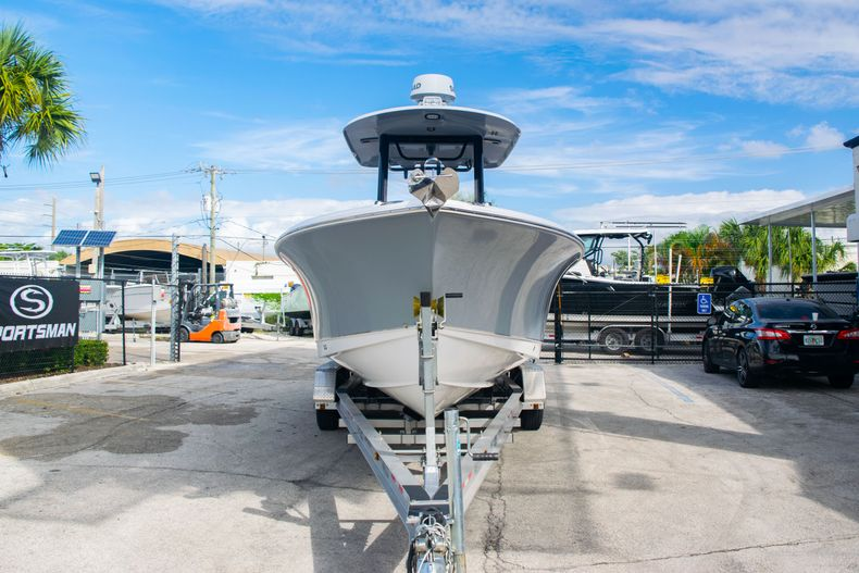 Thumbnail 2 for Used 2017 Sea Hunt Gamefish 25 Center Console boat for sale in Fort Lauderdale, FL